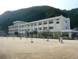 高知県須崎市 市立新荘小学校